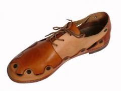 Leather men's shoes for the teenager