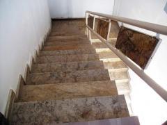 Лестницы из травертина