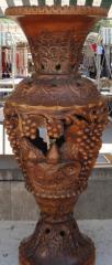 Ваза декоративная ручной работы дерево-орех(ценная порода) выс.75см диам.29см ВОЗМОЖЕН ЭКСПОРТ,допустимы отличия орнамента от оригинала