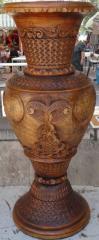 Ваза декоративная ручной работы дерево-орех(ценная порода) выс.67см диам.27см ВОЗМОЖЕН ЭКСПОРТ,допустимы отличия орнамента от оригинала