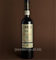 Вино `Арени Специальный` красное, сухое с выдержкой из виноградного сорта Арени, специальное вино производится в ограниченном количестве