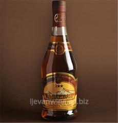 Ijevan cognac taste of hazelnut, is felt easy